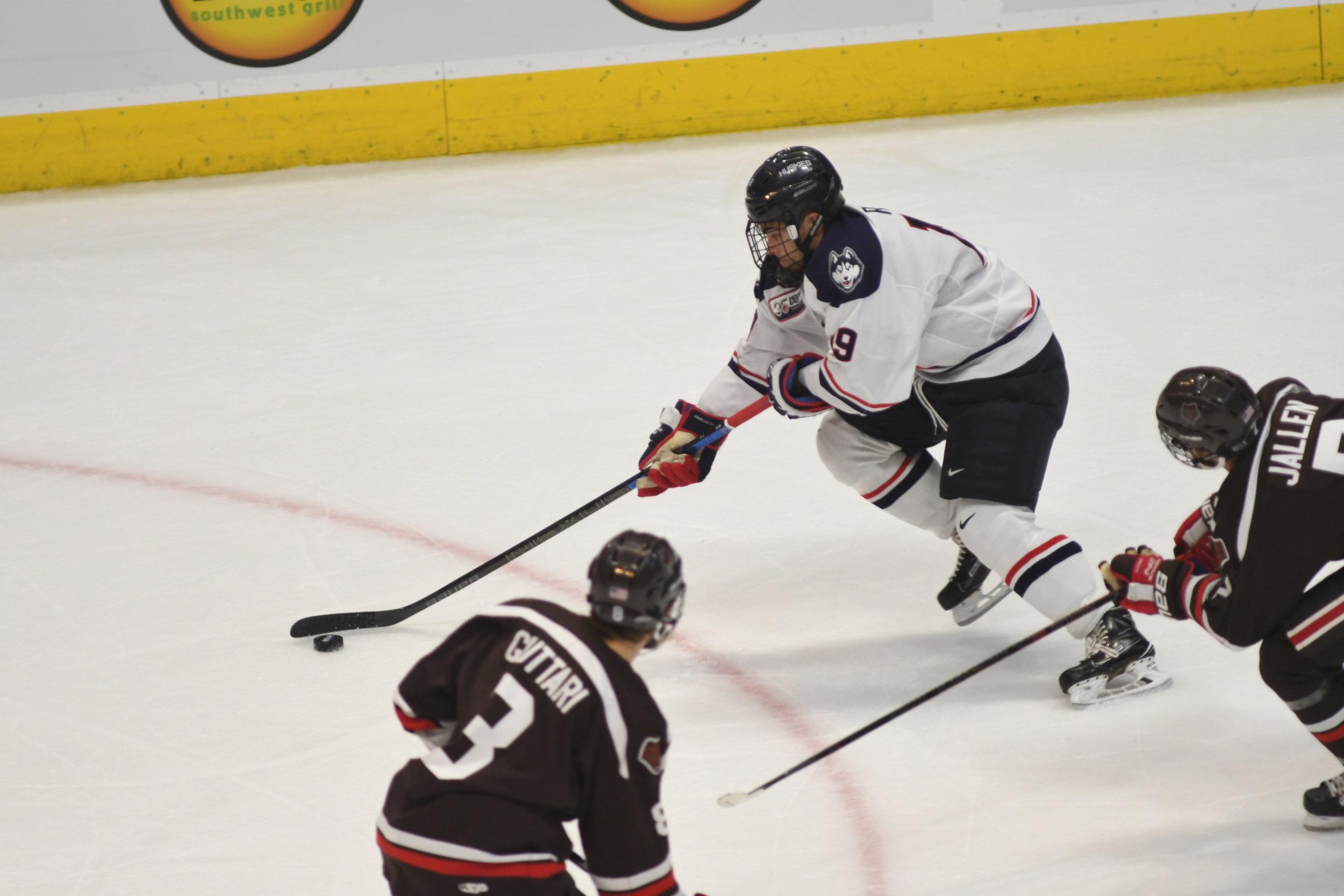 Men S Hockey Huskies Feeling Lucky Heading Into Ice Vegas