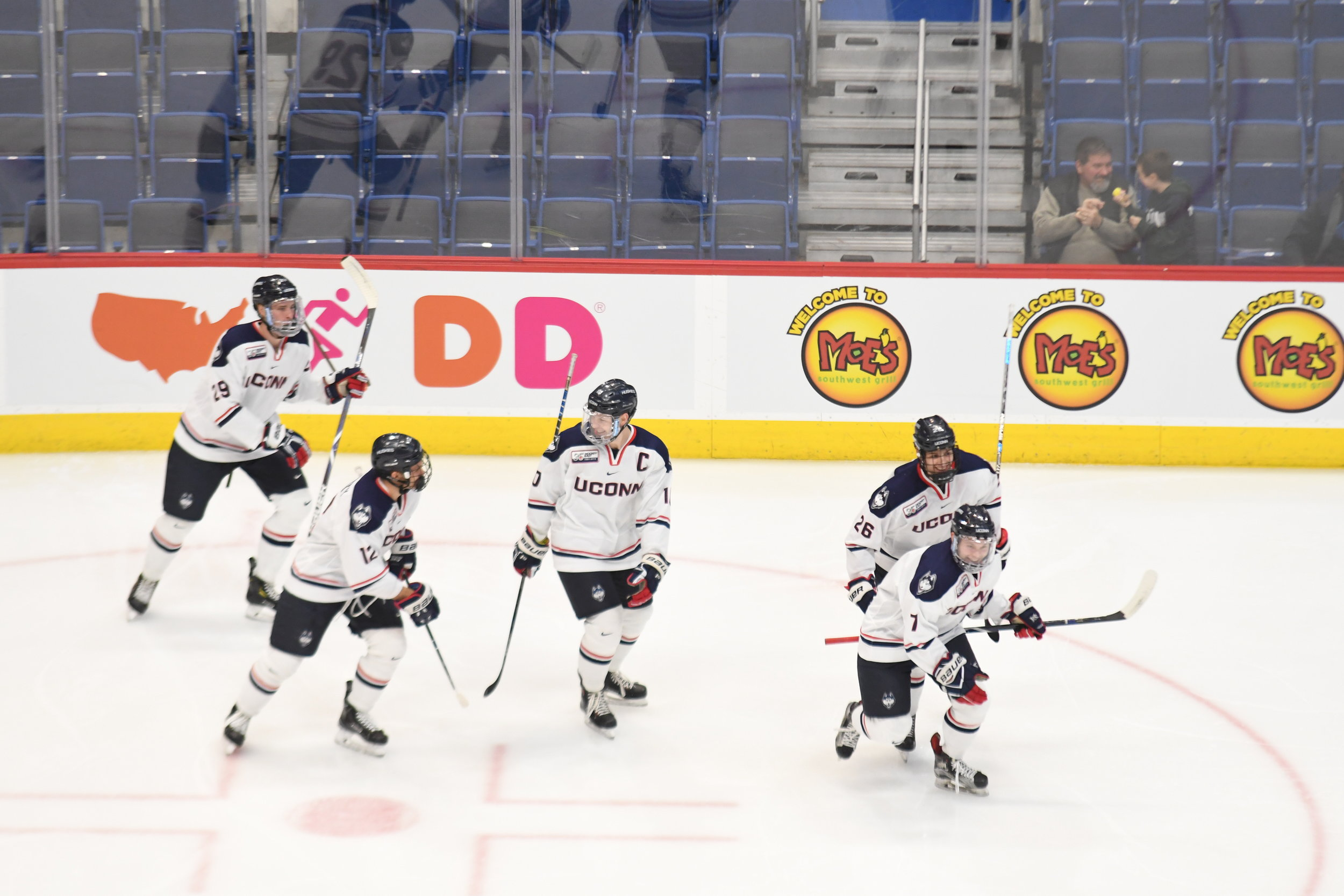 Men S Hockey Huskies Split Tournament In Vegas The Daily Campus