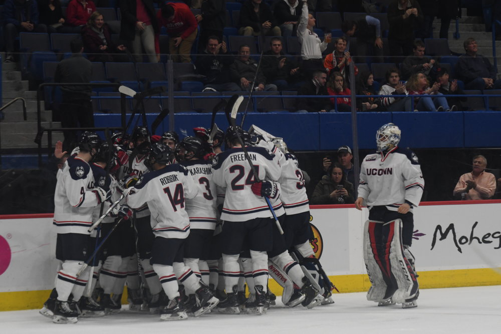 The Huskies split a home-and-home series with Boston University. UConn's Alexander Payusov netted the overtime winner Friday night. (Kevin Lindstrom/The Daily Campus)
