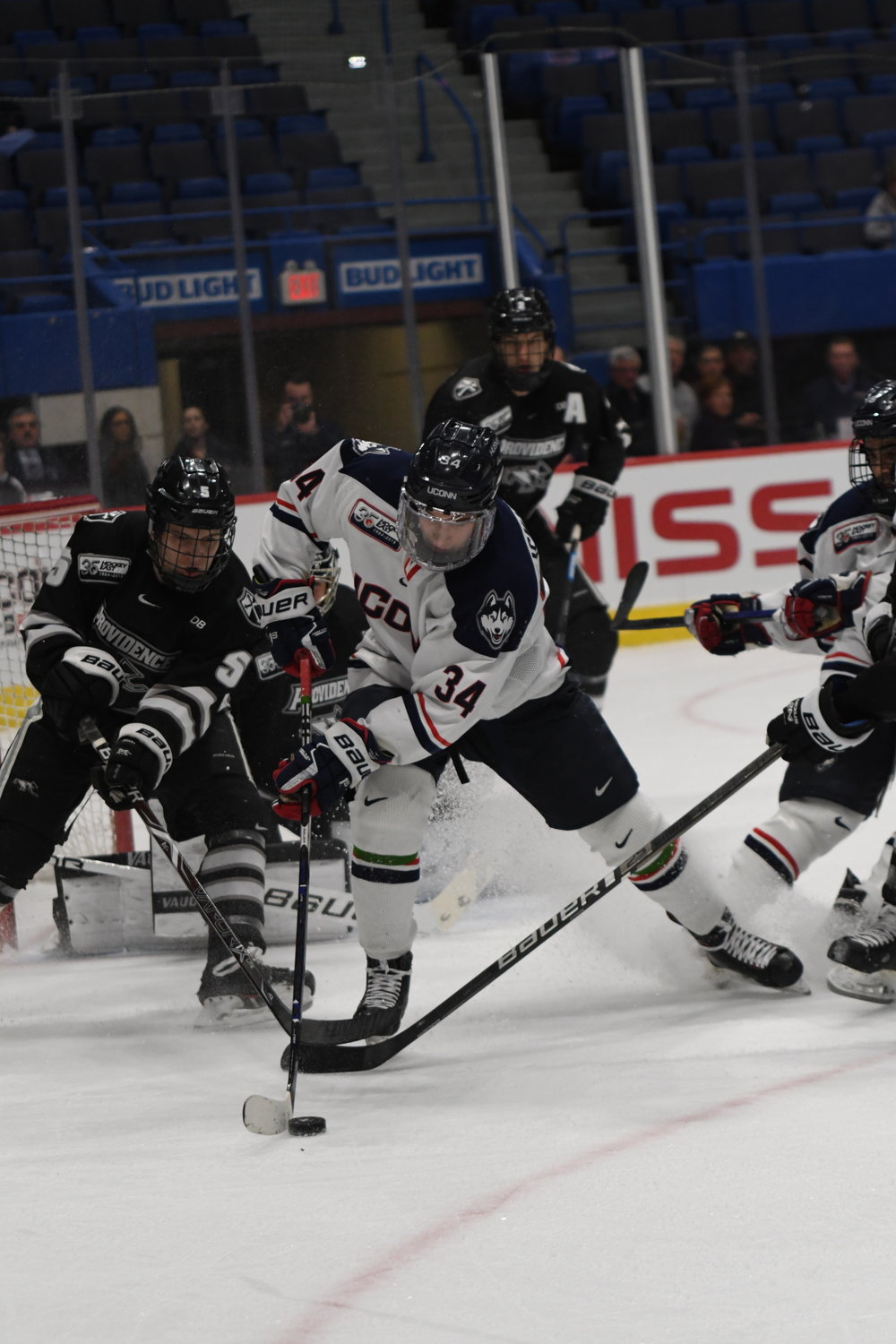 UConn Men's Hockey. (Photo by Kevin Lindstrom/The Daily Campus)