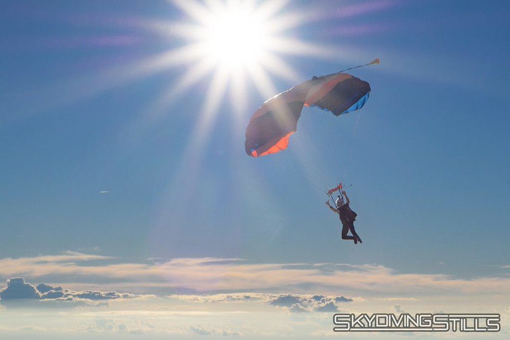 The club's mission is to promote skydiving, make it more accessible to students, prepare and participate in competitions and have fun. (Image via UConn Skydiving Club)