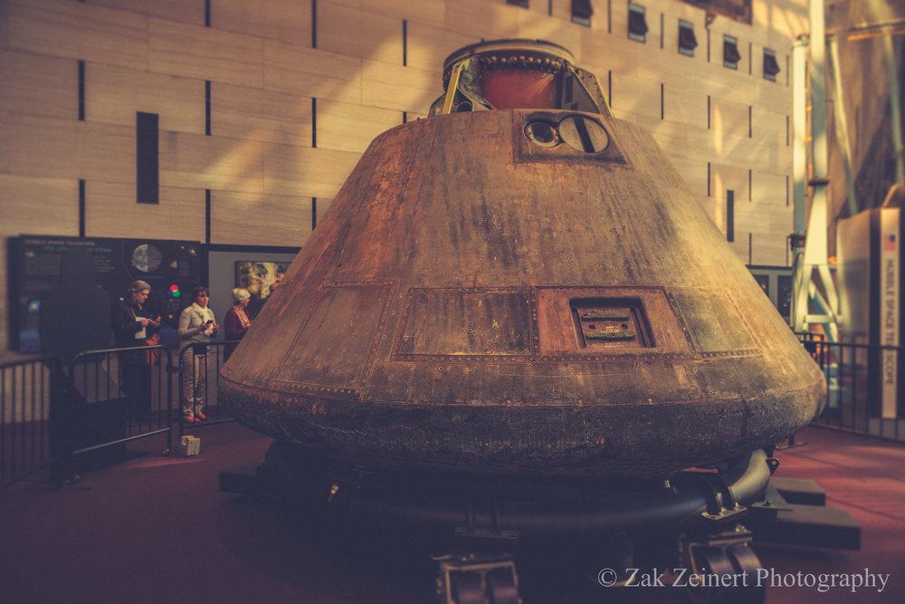 Lunar re-entry pod