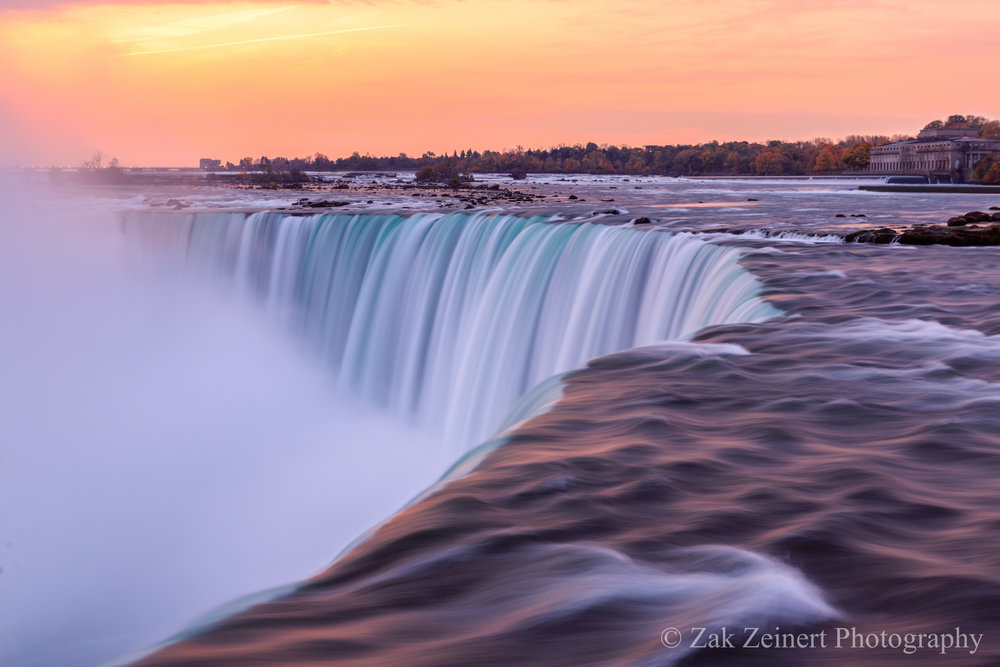 Niagra Falls at sunrise