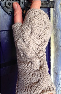 Twisted Hazel Wristwarmer