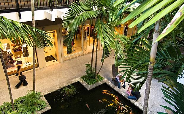 SHOPPING-Bal-Harbour-Shopping-Mall.jpg