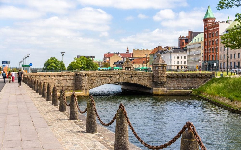 Sweden---Malmo---Petri-Bridge-xlarge.jpg