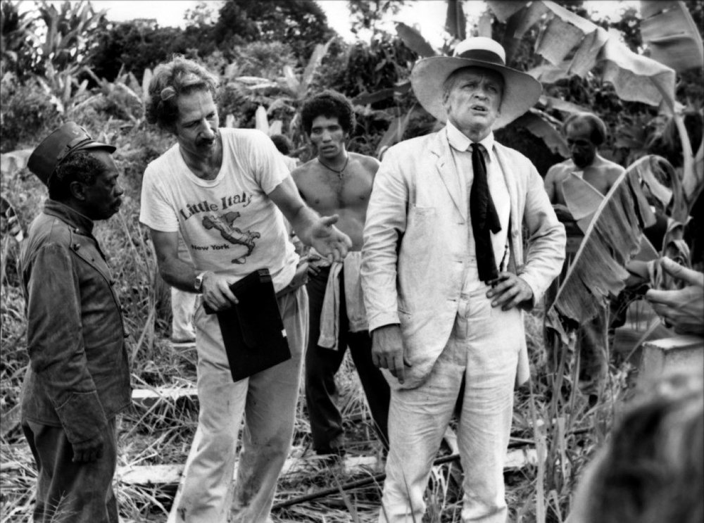 werner-herzog-klaus-kinski-on-the-set-of-fitzcarraldo-movies.jpg