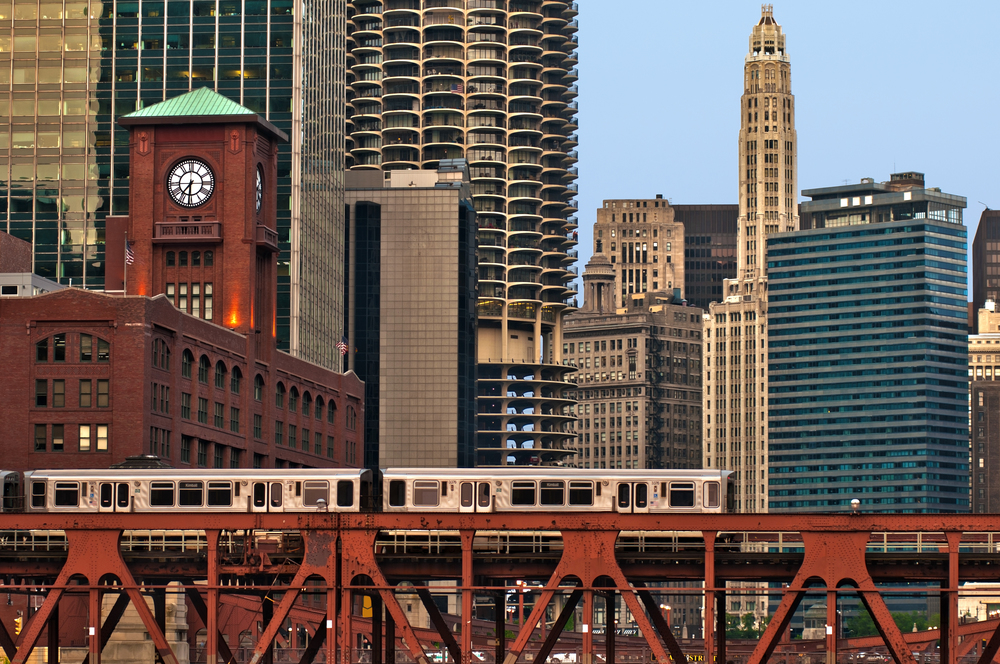 Just a Block To Red Line Train Station    VIEW AVAILABILITY    Call: (312) 614.1481