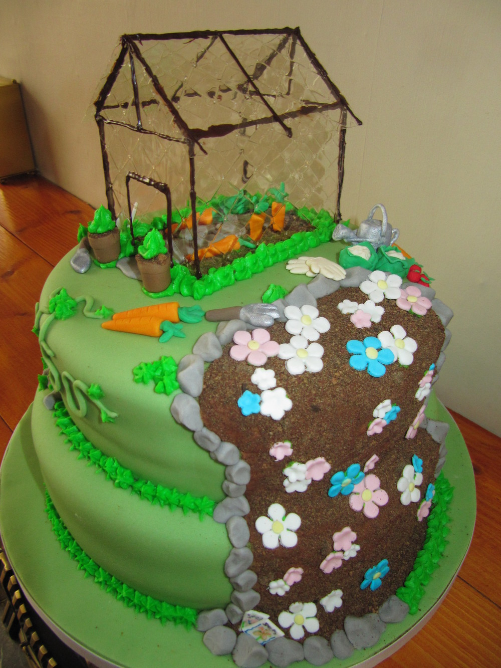 gardeners 50 cake.jpg