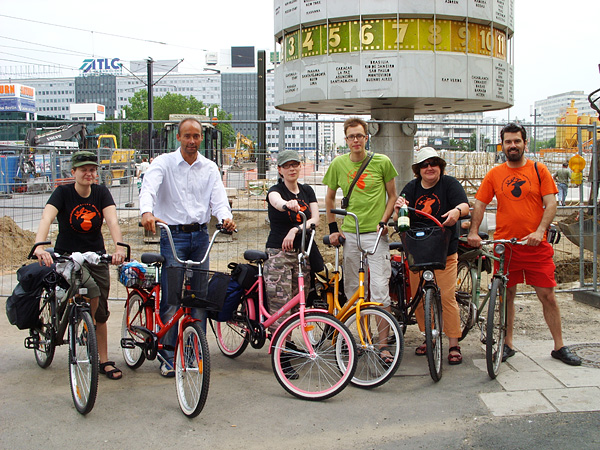 Berlin tour 2007: Tour crew @ Alexanderplatz