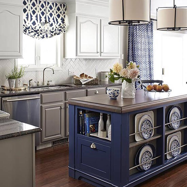Navy in the kitchen is a new popular choice.