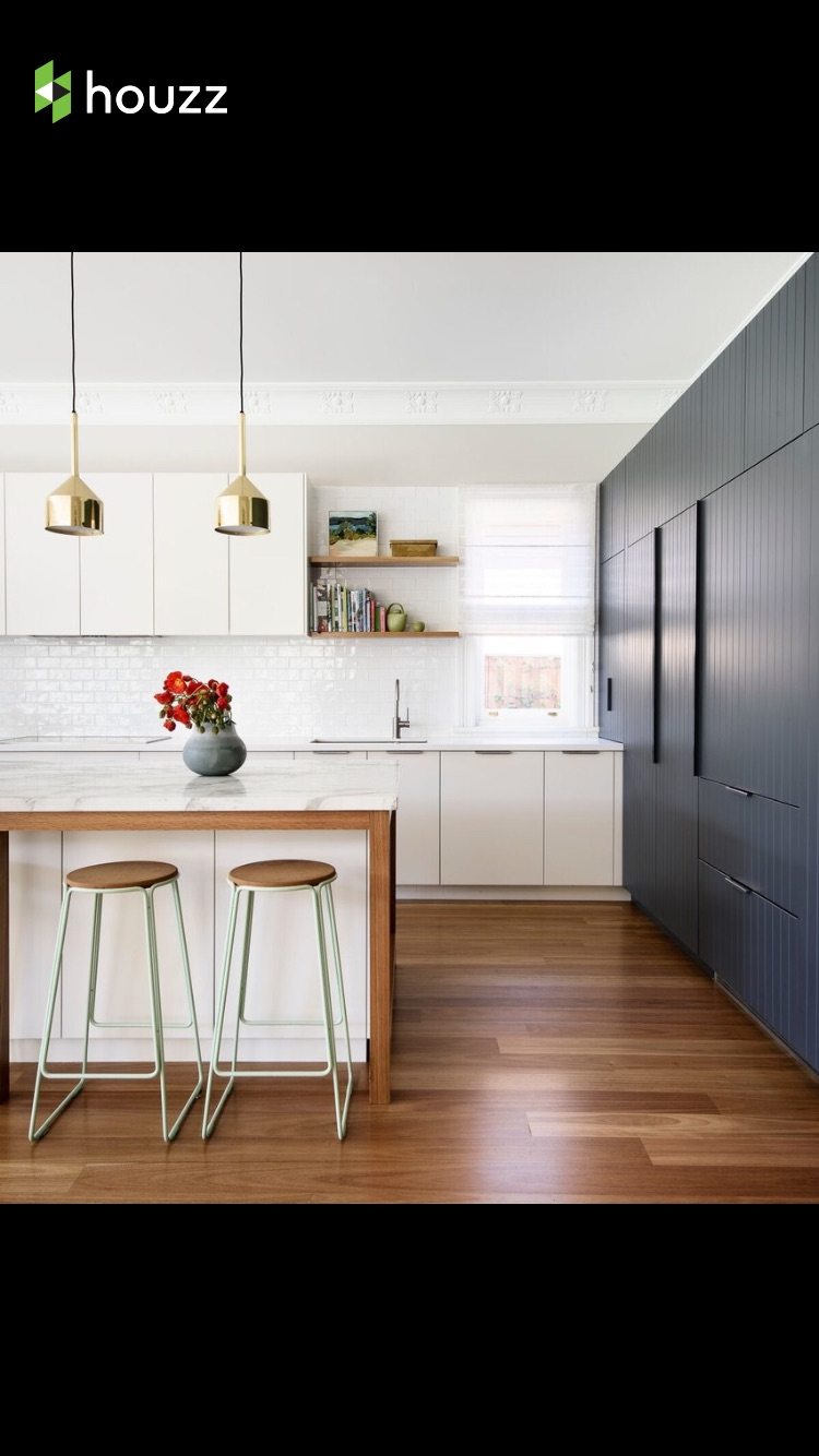 Photo Credit: HOUZZ  Simple is best when playing with gold.