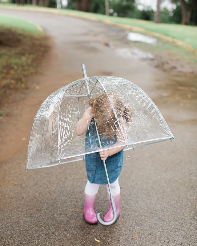 Captured the cutest little puddle jumper yesterday 💦 #letkidsbekids #rainydays #puddles #familysesh #lifestylesession