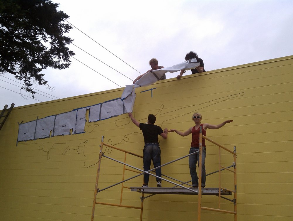tb)mural.jpg