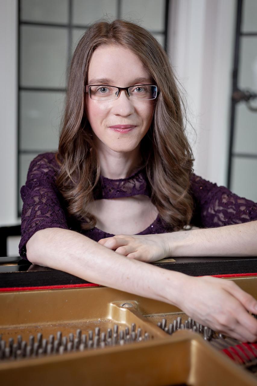 Emily Logan, piano