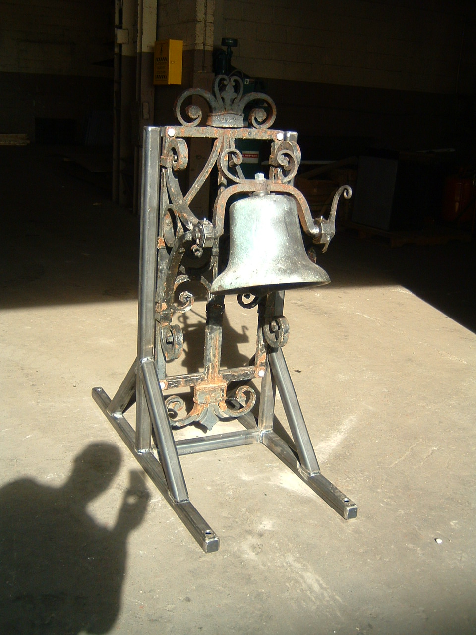 MEMORIAL BELL 2.JPG