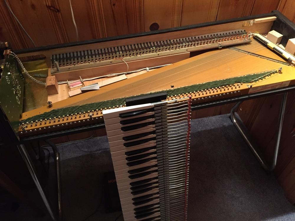 Refurbishing a Hohner Clavinet Pianet Duo.