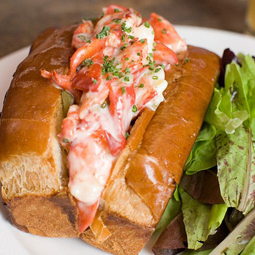 Celebrity chef Brian Malarkey's lobster roll doesn't disappoint