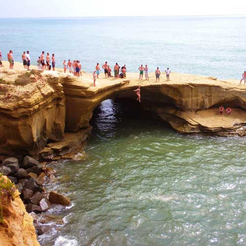Sunset Cliffs offers a beautiful walk along the coast and crazy people jumping off the rocks
