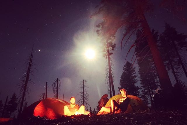 What's you're favorite state to camp in?  We had an awesome view of the stars at this spot in the Sierra mountains  #sierras #california #mountains #camping #dirtbike #thumper #husqvarna701 #enduro #ktm #690 #rally #adventure advrider #thumpertalk #offroad #motorcycle #wideopenadv #unknownmoto #kriega #offgridmoto #ftwco #hickoryunionmoto #upshift