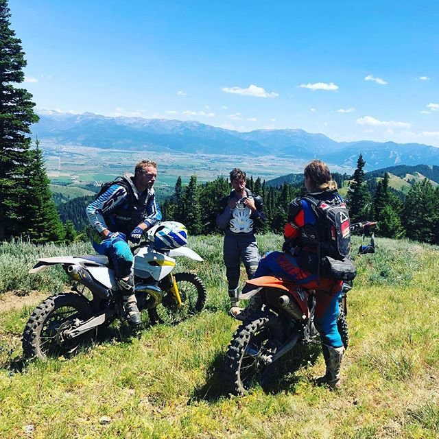 Cool kids are always up on the mountains  #tetonvalley #tetons #singletrack #dirtbike #offroad #mountains #husqvarna #fc250 #ktm #fourstroke #adventure #woodsriding #tetonwrench #bulletproofdesigns #flatlandracing #kriega #offgridmoto #ftwco #unknownmoto #enduro #victor #idaho #wydaho #idahome