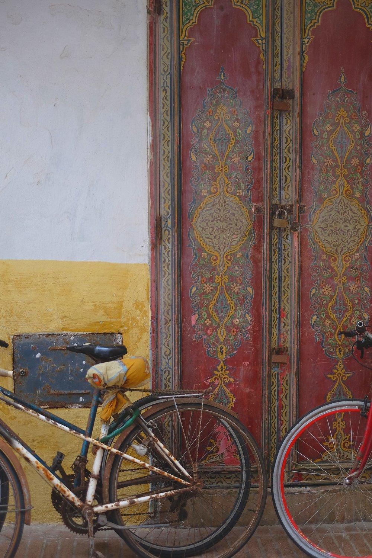 essaouria+bike+on+the+wall.jpg