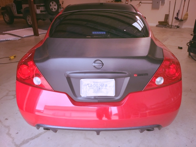 Nissan Altima - Partial Wrap (rear view)