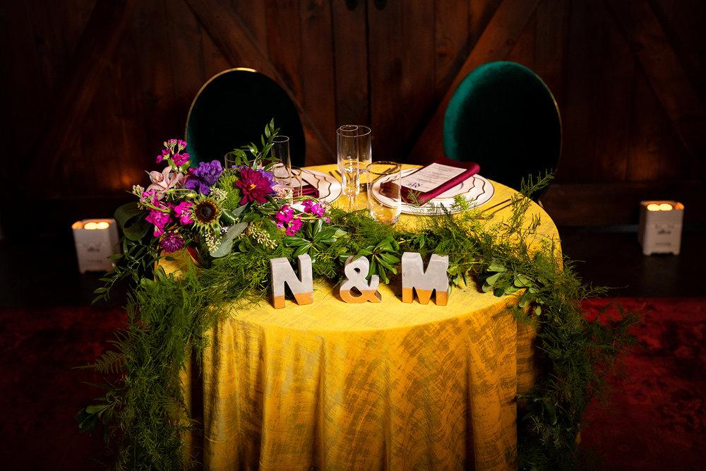Moody-Sweetheart-Table-K-Flowers-Designs.jpg