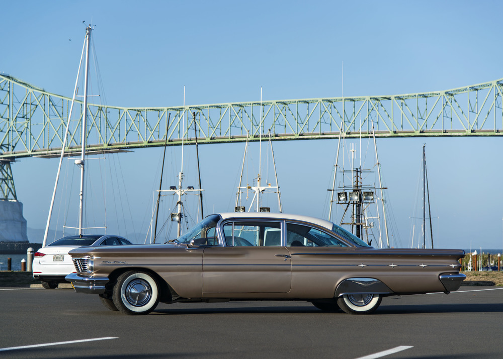 We paused for a photo op under the Astoria Bridge that connects Oregon to Washington over the Columbia River.  Our old indian deserves a medal.  Nikon D800, Nikkor 24-120mm lens, ISO 100, f4, 1/800 sec.