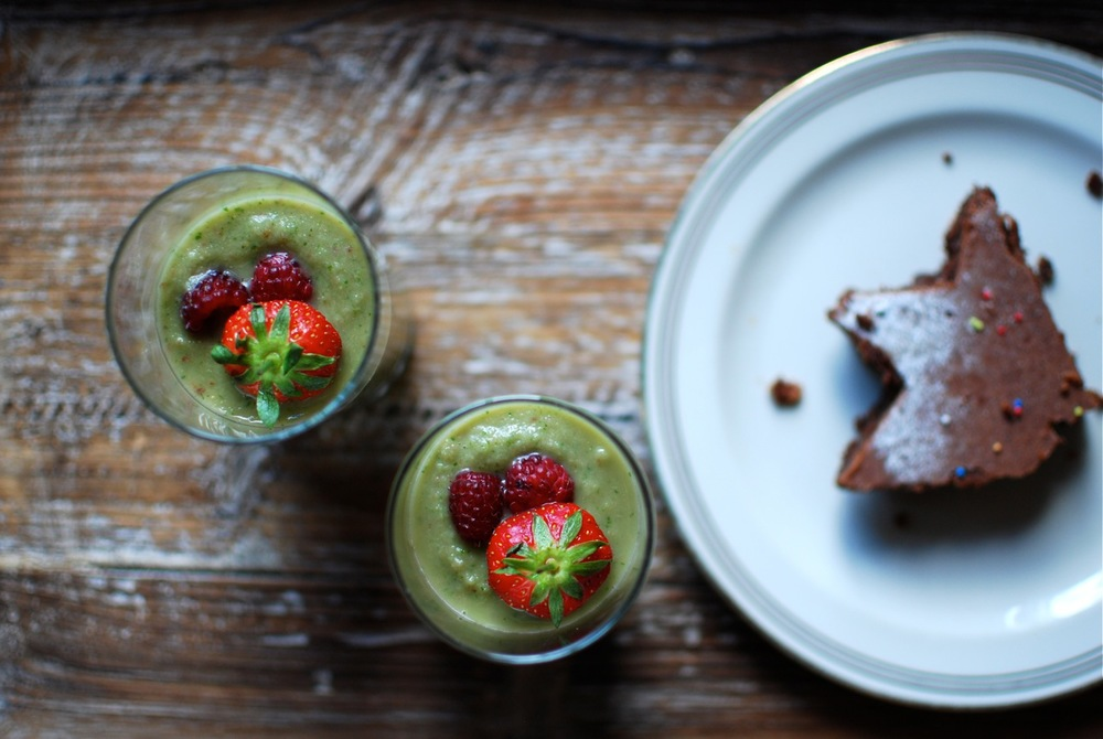 Powerhouse Peanut Butter Smoothie beauty shots.  And cake...