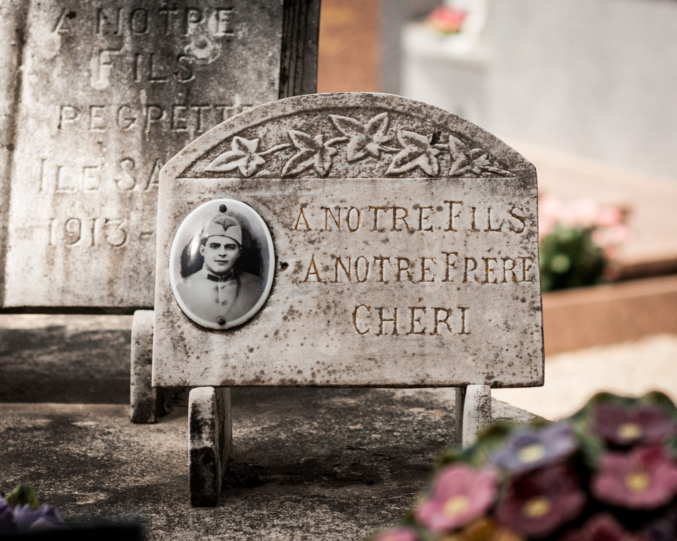 provence-graveyard-(c)-ALASTAIR-PHILIP-WIPER-13