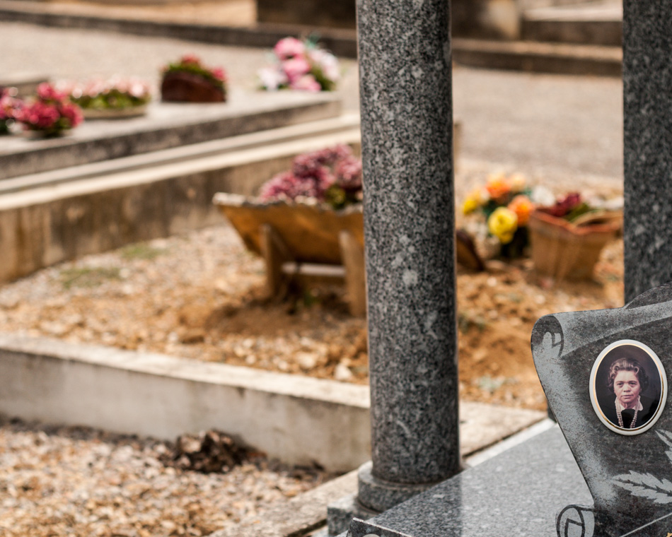 provence-graveyard-(c)-ALASTAIR-PHILIP-WIPER-61