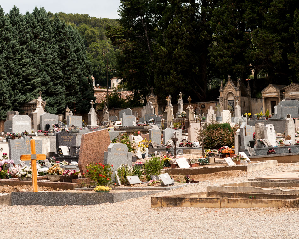 provence-graveyard-(c)-ALASTAIR-PHILIP-WIPER-62