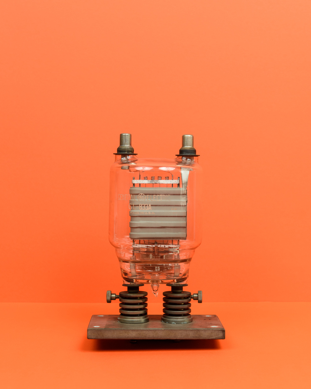 Vacuum tube: General Electric GL-833A, Triode
