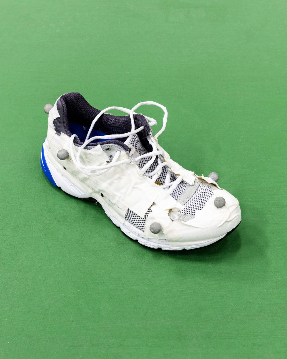 Running shoe prepared for motion analysis test