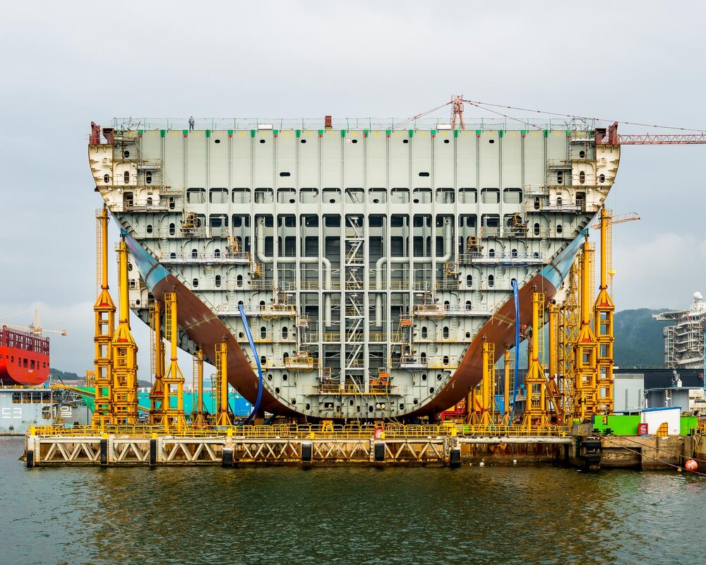 Building the largest ship in the world, the Maersk Triple E, South Korea