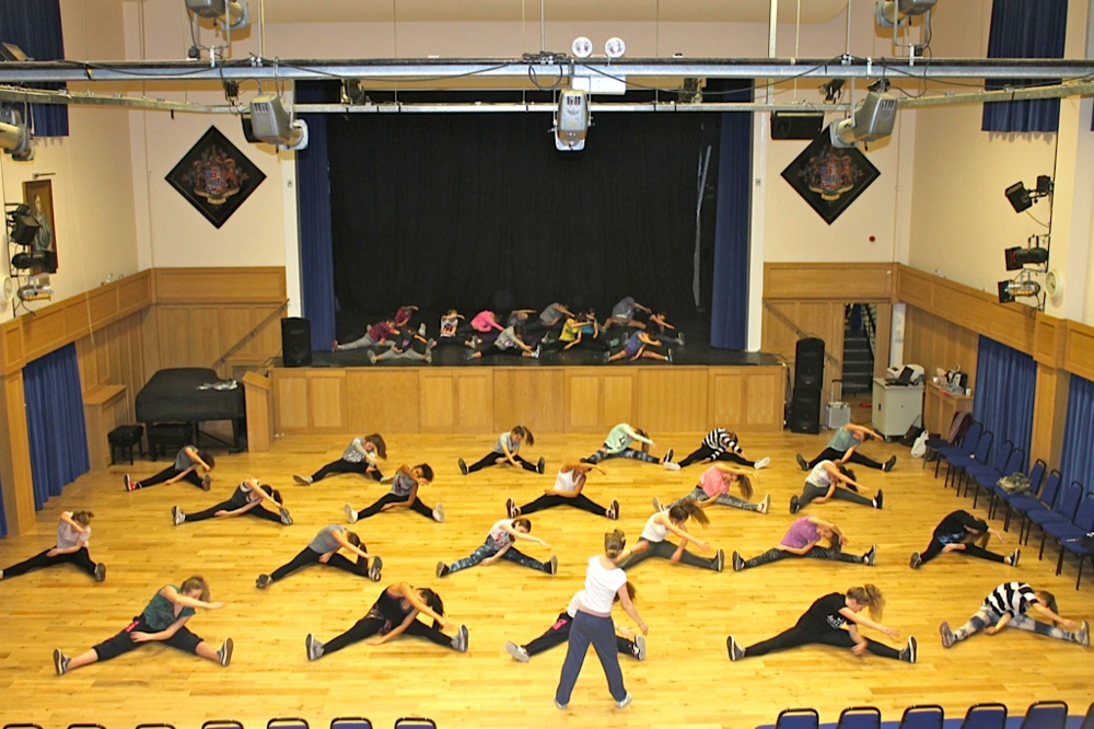 Dance class_3.png