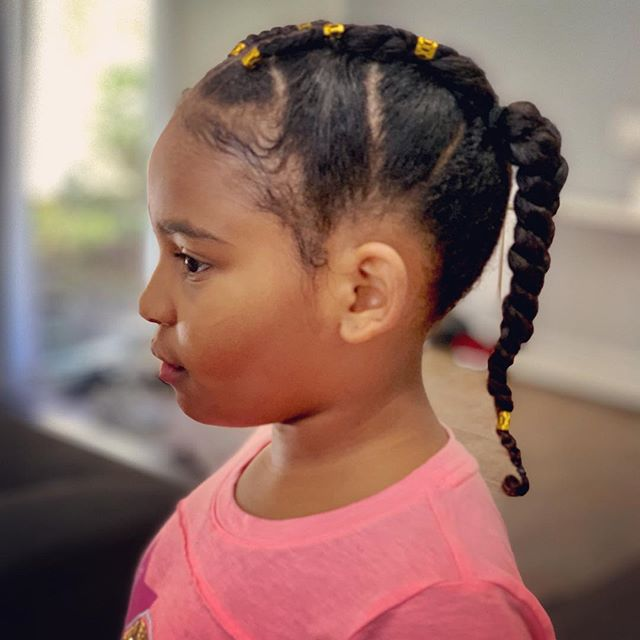 Wash day 🧖🏾‍♀️ One of my least favorite tasks, but I did the damn thing on this one! Stepping these skills up so my baby girl can stay fly. . . . . . . #hair #naturalhair #braids #cornrows #stitchbraids #naturalhairstyles #protectivestyles #washday #GiannaAlyse #hairgoals #kidsbraids #kidshairstyles
