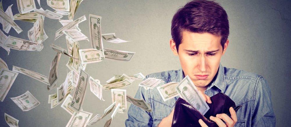 MoneyleavingWallet.jpg
