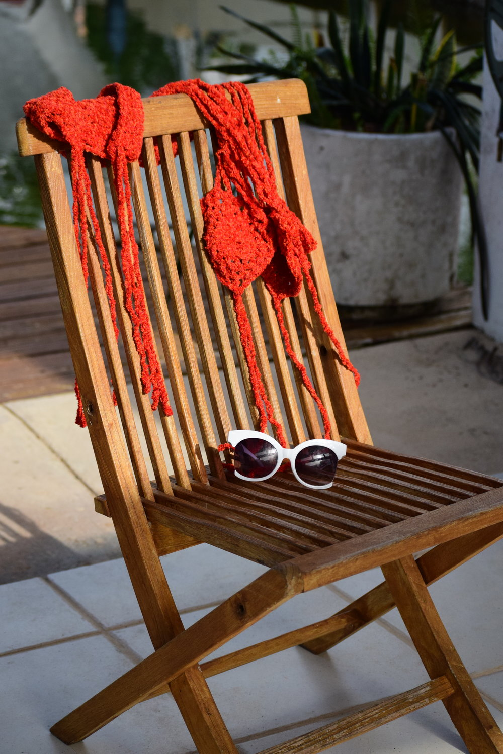 MSW-redmonokini-chair-glasses_2.JPG