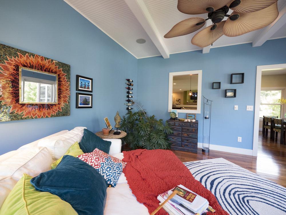 P1750522 sun room.jpg