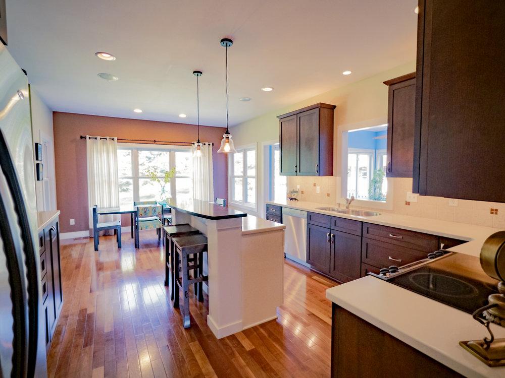 P1750634 kitchen.jpg