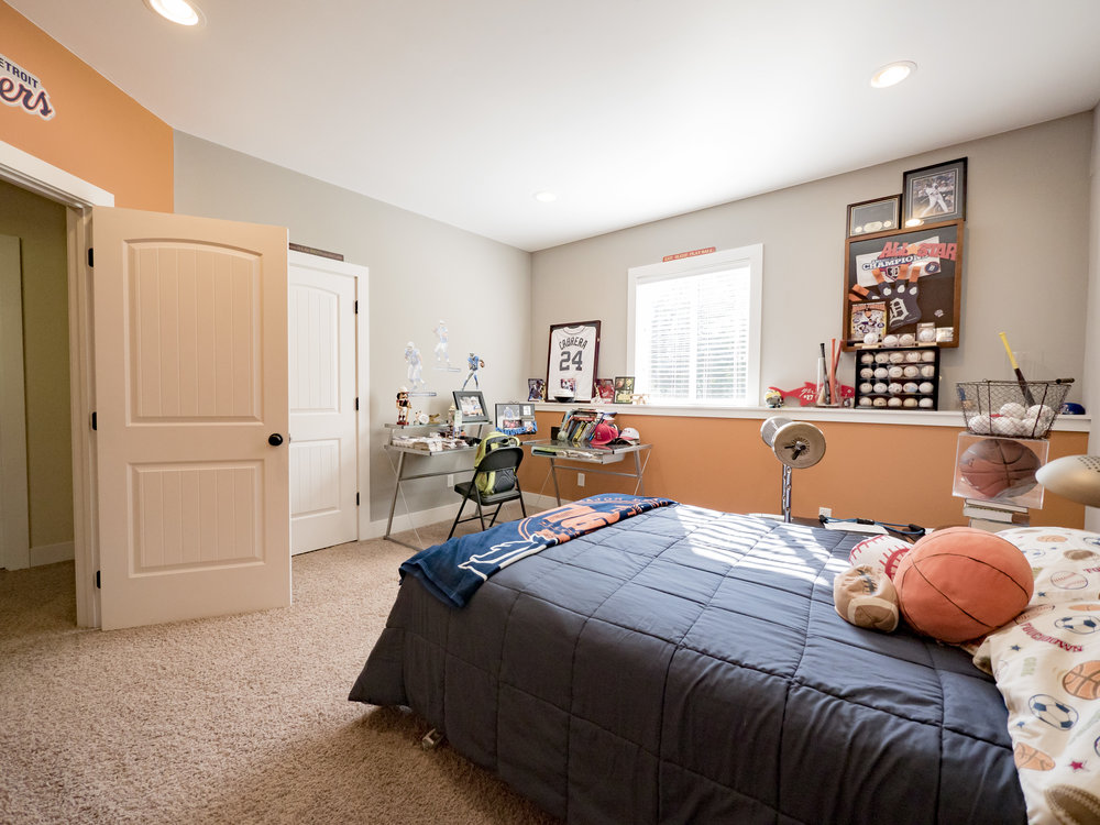 P1750690 downstairs boys room.jpg
