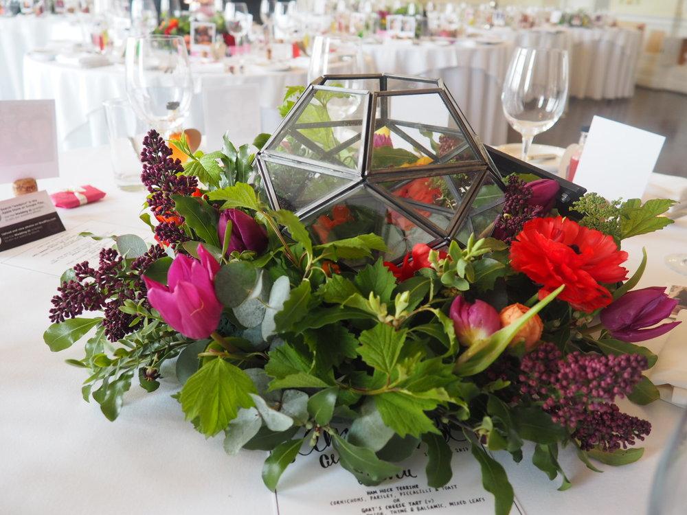 Trafalgar tavern greenwich wedding low centrepiece