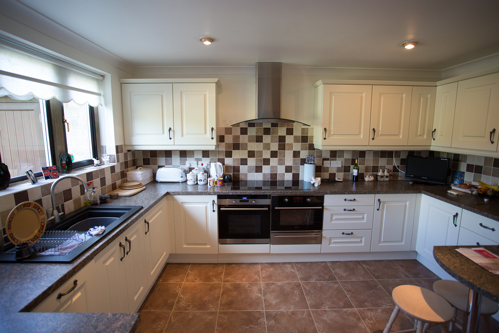 2 Manor Close - Kitchen 2 - BEFORE.jpg