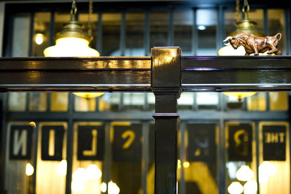 2-THE-BRESLIN-RESTAURANT_DA.jpg