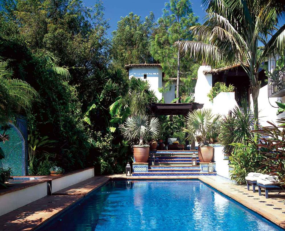 Castilian residence los angeles roman and williams for Luxury swimming pools