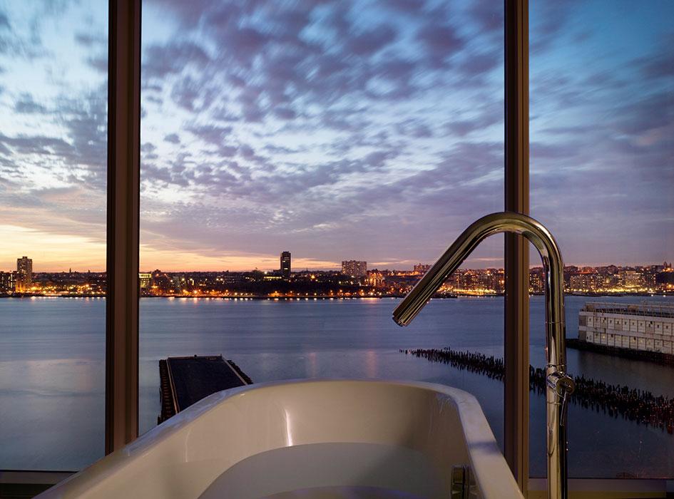 NEW-YORK-STANDARD-HOTEL_DATE_MEDRES_NIKOLAS-KOENIG-(9)_Resized.jpg