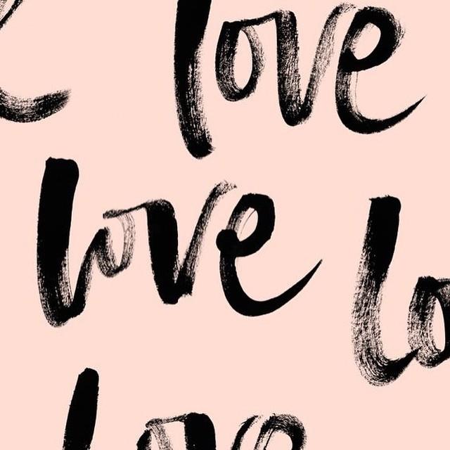 ❤️ S U N D A Y ' S  Got to love a bank holiday!! (Image from Pinterest)  #relax #bankholiday #sunday #love #bespoke #wedding #stationery #papergoods #instabride #instawedding #loveinkdesign