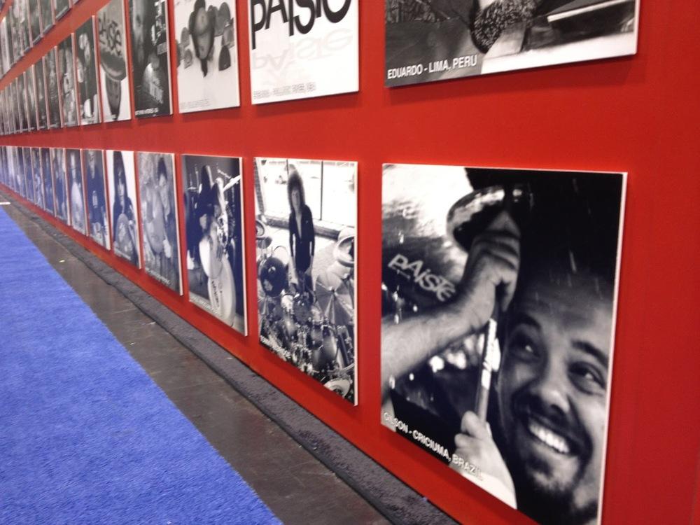 no Wall Of Fame da PAISTE, na feira NAMM, Los Angeles, EUA.